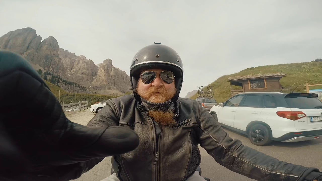 Harley Davidson Road King Alps Tour 4K ( go pro quic)