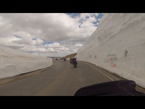 Beartooth Pass Motorcycle Ride on Harley-Davidson's