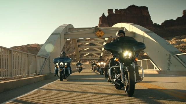 "Harley-Davidson ""Triple Vent"""