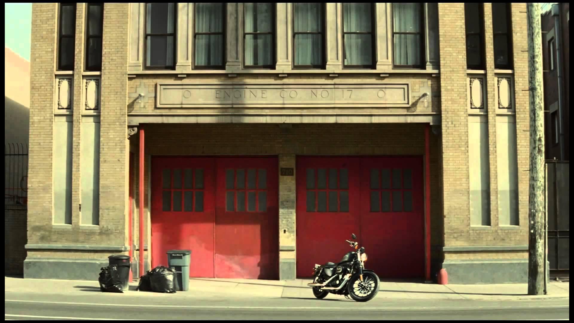 """Publicité Harley Davidson - Québec - """" Parfaitement trop """" / Harley Davidson commercial"""